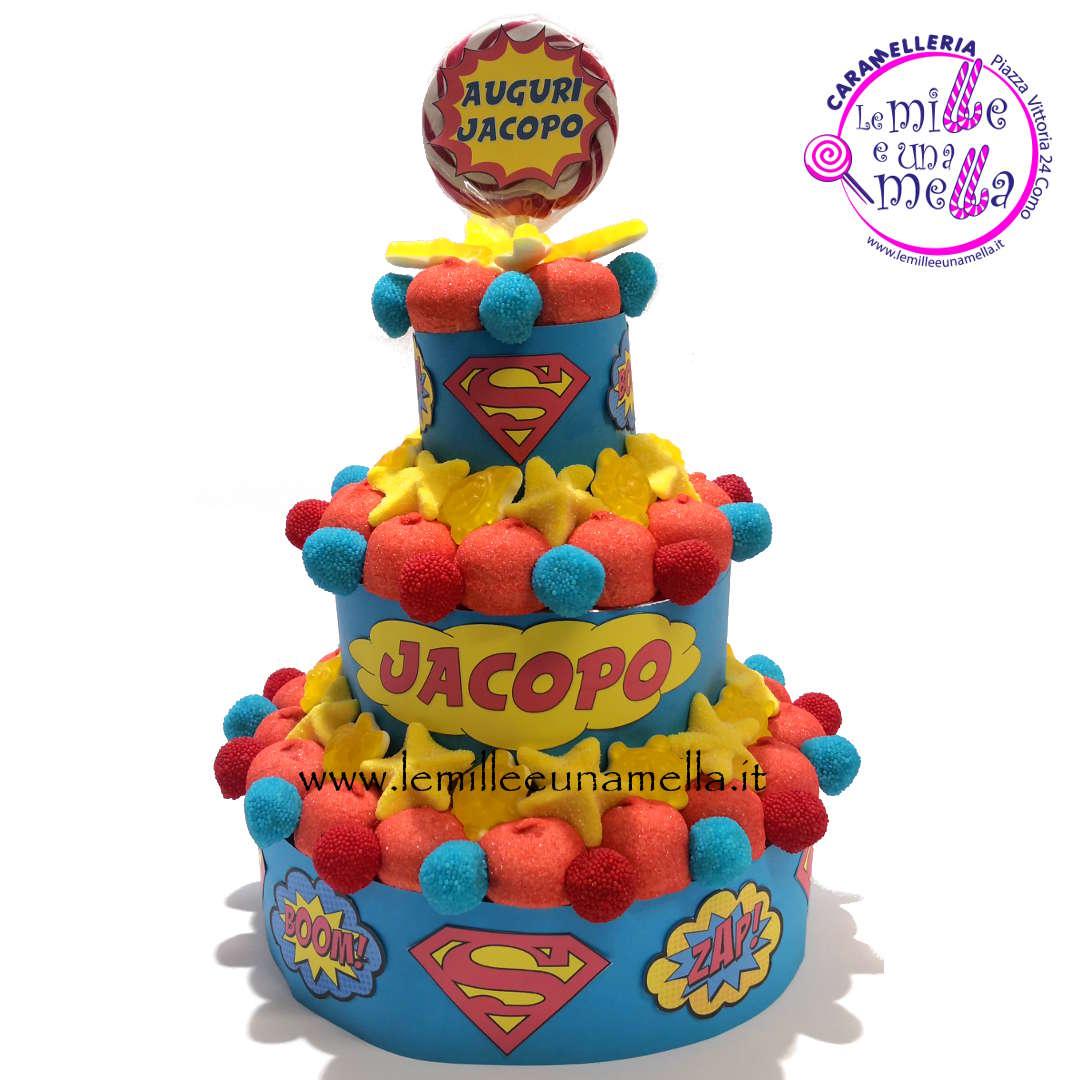 torta di caramelle e marshmallow per compleanno Superman, vendita online Le Mille e una Mella