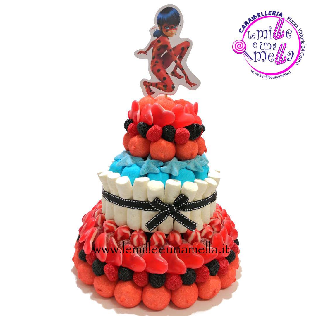 torta di caramelle e marshmallow a tema Lady Bug per compleanno, vendita online Le Mille e una Mella