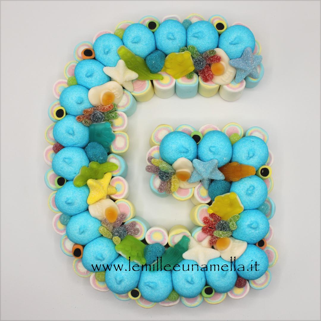 torta di caramelle e marshmallow a forma di lettera iniziale del nome vendita online Le Mille e una Mella