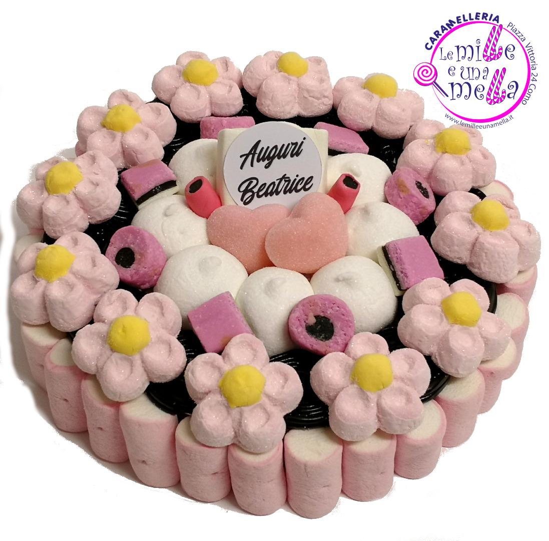 torta di caramelle marshmallow e liquirizia con margherite compleanno auguri vendita online Le Mille e una Mella