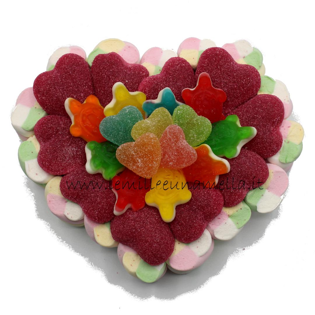 torta di caramelle e marshmallow cuore San Valentino vendita online Le Mille e una Mella
